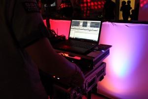 DJ Stukwan Working the Crowd